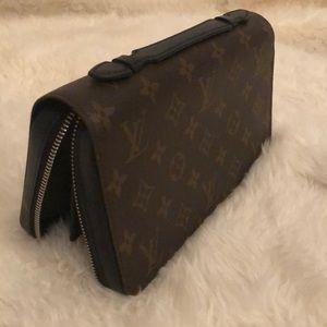 Louis Vuitton Bags - Louis Vuitton Zippy XL in Monogram
